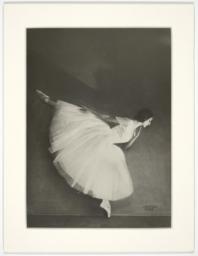 Olga Spessivtzeva as Giselle in ballet by Adolphe Adam