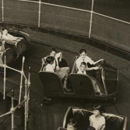 Rides: Kids Enjoying Amusem...