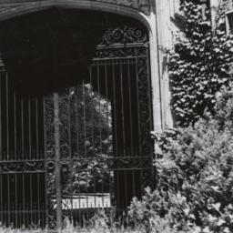 Ward Manor Gate