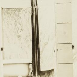 41st Street Bath Tub Room